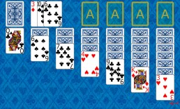 Klondike Solitaire at the beginning in Solitaire Collection
