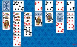 Klondike Solitaire during the game in Solitaire Collection